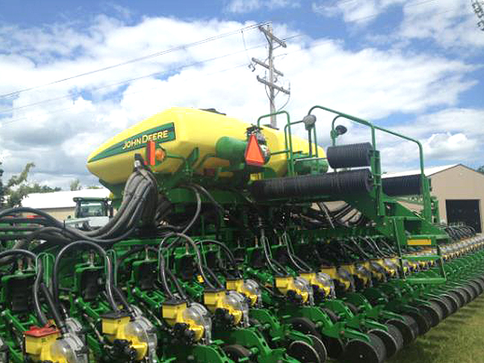 New Incentive Helps Growers Give 20-Inch Twin Rows a Try