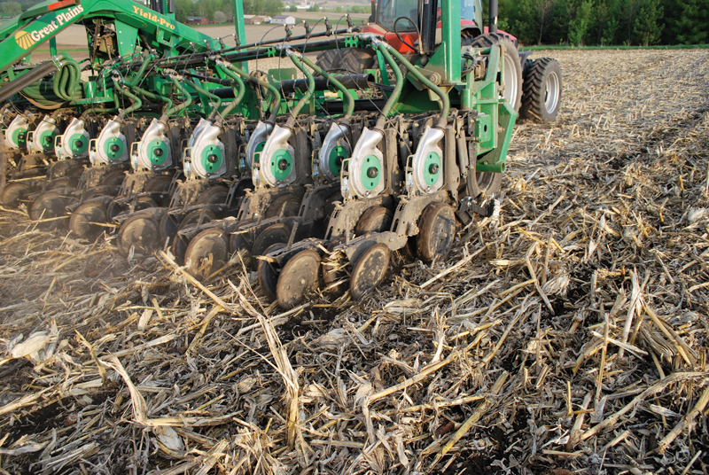 Features Are Twin Rows The Corn System Of The Future Strip Till