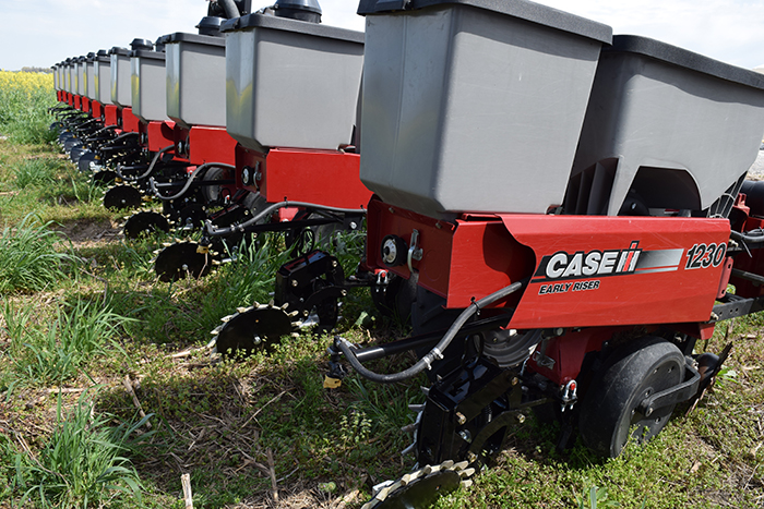 Seeding Covers, Ending Tillage Guides Challenging No-Till Transition