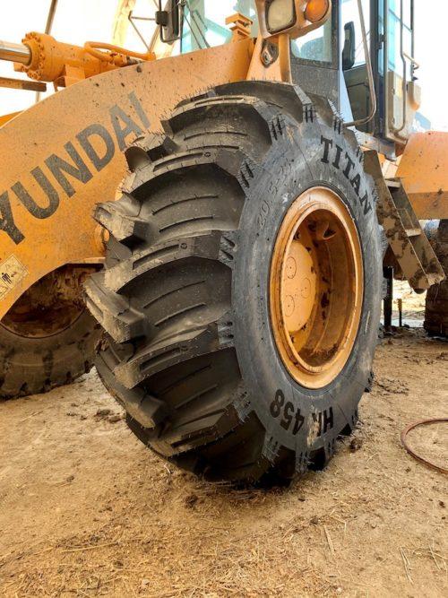 Titan HK 458 Hybrid Wheel Loader Tire_0821 copy