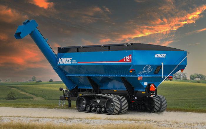 Kinze Harvest Commander 1121 Grain Cart_0921 copy